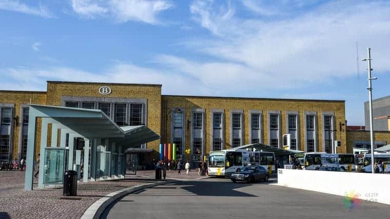 Brugge konaklama tren istasyonu ve çevresi