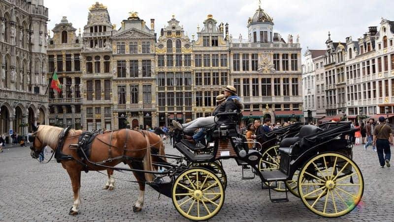Grand Place Meydanı Tarihi Brüksel gezilecek yerler