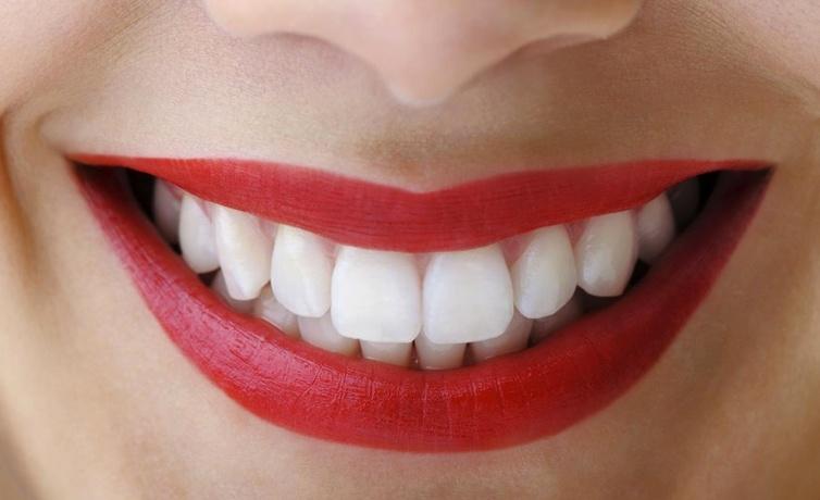 Diş tartarlarına evde çözüm önerileri ceviz kabuğu iyi geliyor!