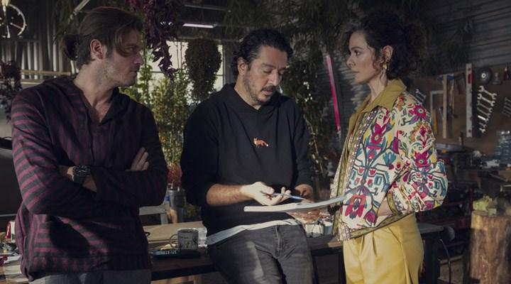 TolgaKaraçelik'in yönetmen koltuğuna oturduğu dizinin ilk görselleri yayınlandı